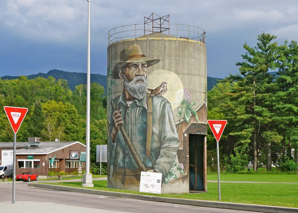 Hand painted silo in Jeffersonville