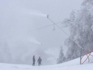 Snowmaking11142015