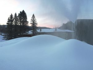 snowmaking-piles